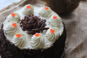 geneva-bakery-cakes-fresh-cream-black-forest